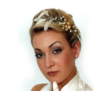 Headpiece - style - Jerry - Soft ivory feathers with pearl & diamanté spray centre, with small gold flowers.