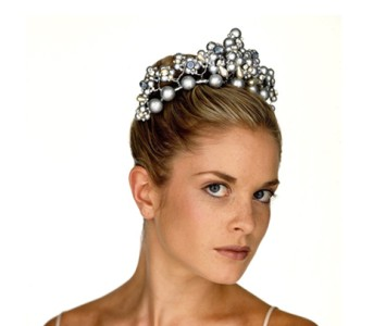 Tiara - style - Lauren - Large silver beads, with pearls & silver diamanté & swarovski crystal beads.